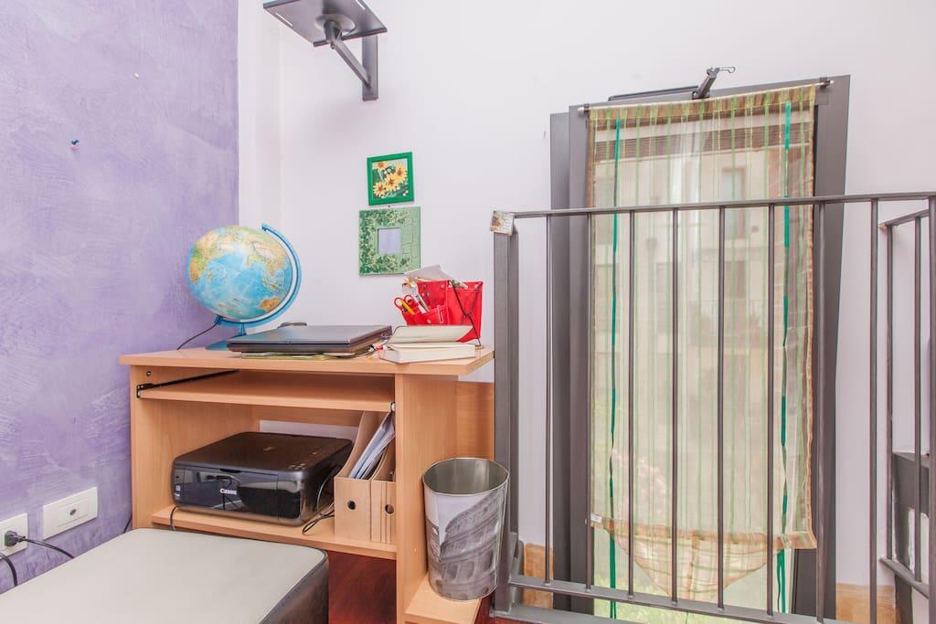 scrivania camera singola