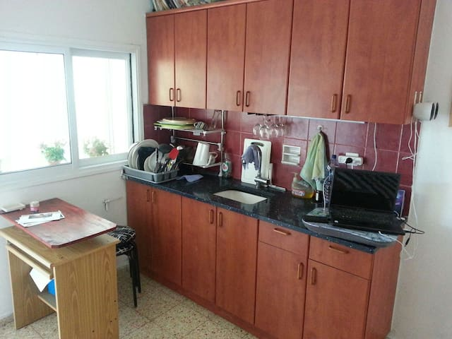 Separate guest house with a yard - Rehovot - Talo
