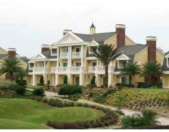 Reunion Resort! Superior Villa