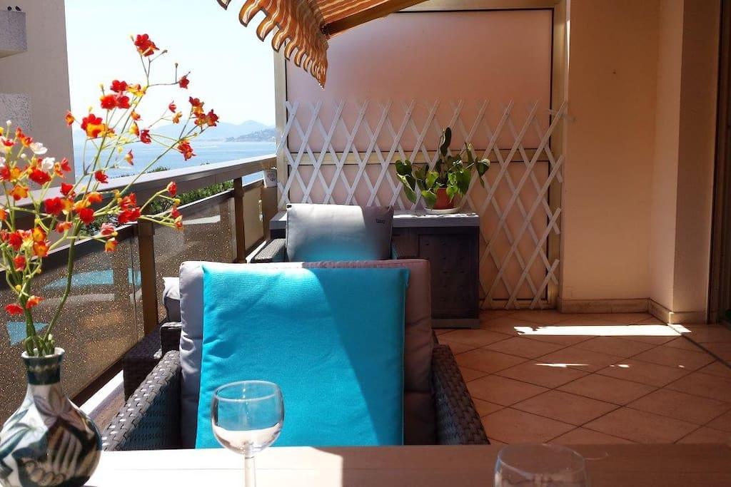 Large 15m2, sunny, comfortable terrace