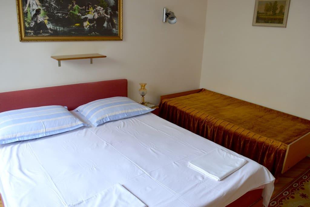 Side bed