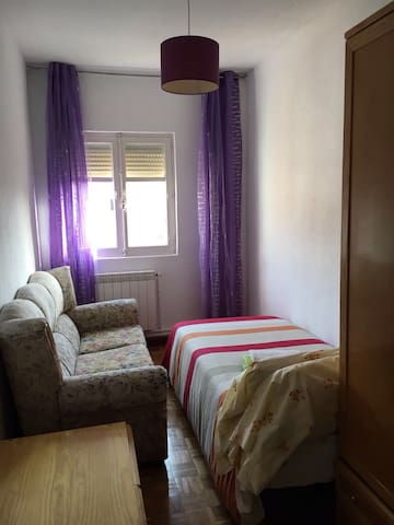 Comfortable room with WiFi - Madrid - Lakás