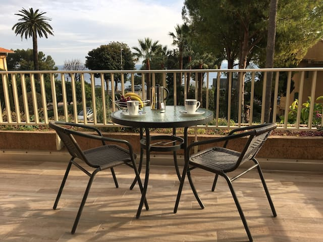 1 bed apt steps from Eze beach, near Monaco & Nice - Èze - Apartment