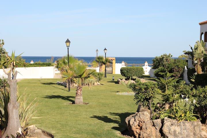 casa en costa del sol en la playa - Casares  - Casa