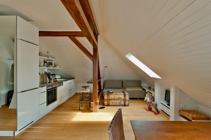 myminiloft - Charmantes Dachgeschoss-Studio