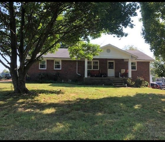 Charming rural home located in Bourbon County