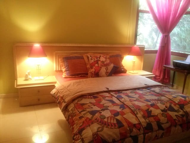 Private Room in safest area in GYE - Guayaquil - Haus