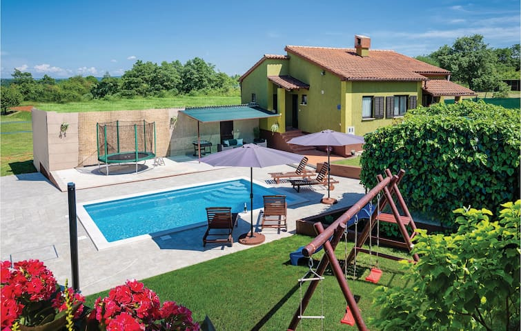 Holiday cottage with 2 bedrooms on 65m² in Skitaca