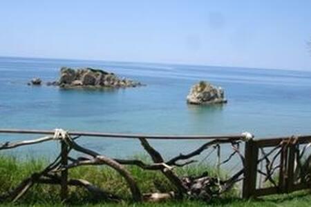 Taya Beach Front House (TBFH) - Agios Matheos