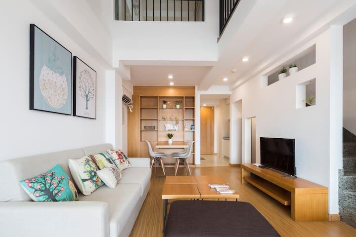 Queen家room3「夏初」挑高5米复式公寓五缘湾近机场