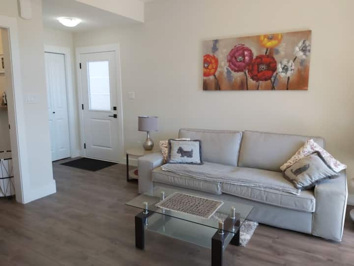 Peaceful abode in desirable Hammond Bay