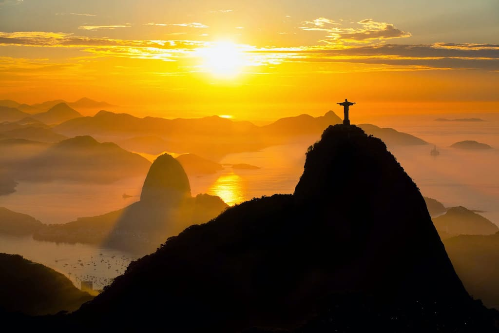 Christ the Redeemer: 25 min by bus