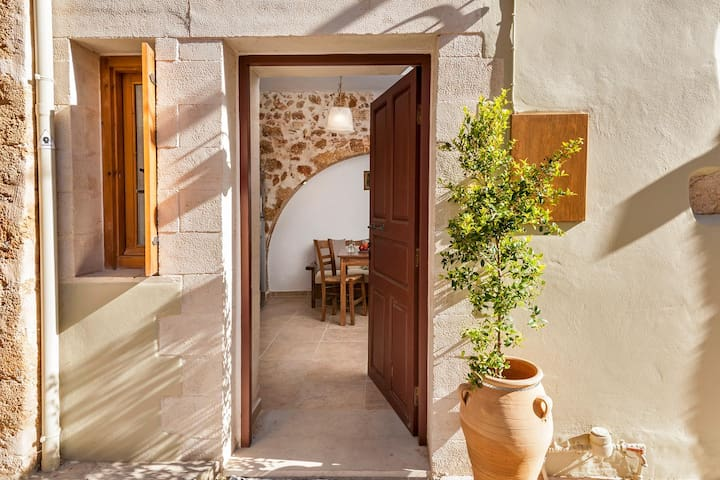 Townhouse Emi, 2BD, 2 ba, in Chania old town
