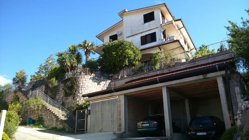 Appartamento in collina vista mare - Lenola - Appartement