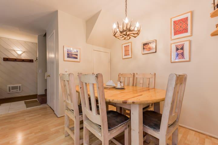 Hardwood,Furniture,Chair,Flooring,Floor