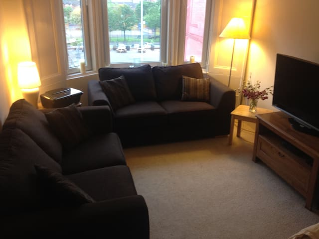 Flat- 2 Bed West end of Glasgow