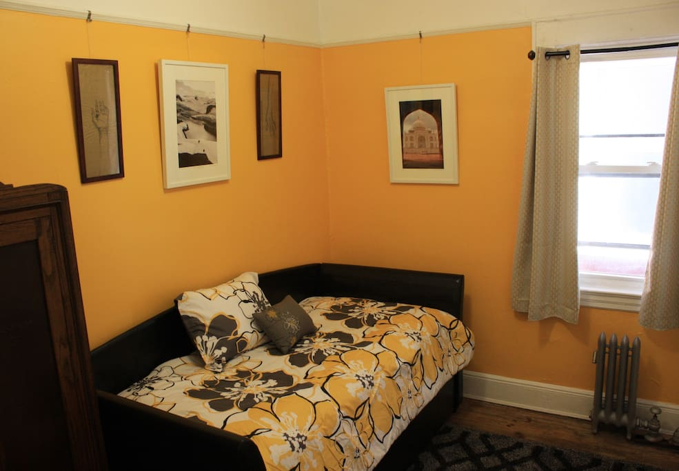 The cozy second bedroom provides a comfortable daybed with a quality twin XL mattress, and a hidden trundle bed with a second twin mattress.