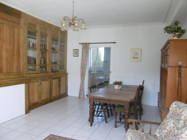 Ground floor apartment in Jarnages, near Gueret