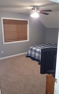 Private rooms for rent. - Larchwood - 独立屋