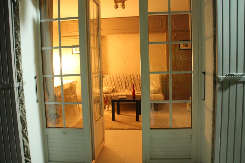 pied terre en provence appartements louer avignon. Black Bedroom Furniture Sets. Home Design Ideas