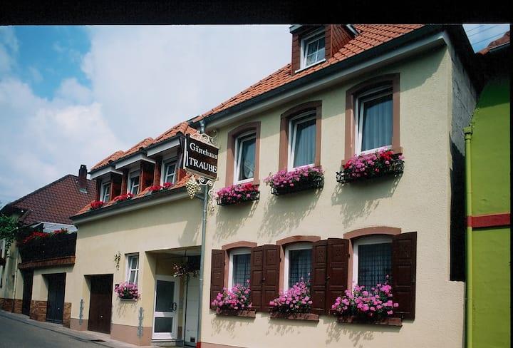 "Gästehaus "" Traube """