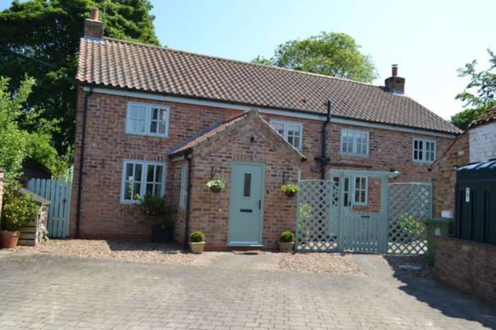 Gold Award Cottage Yorkshire Wolds 7Night Discount