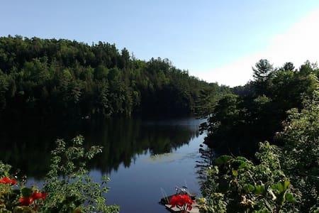 Cottage on Pristine Lac McGregor - Val-des-Monts - Cabin - 0