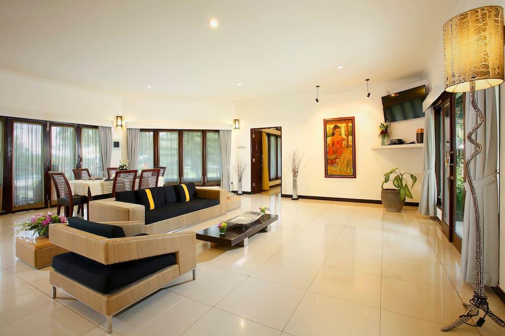 Villa familiale au bord de la mer avec deux chambres for Chambre a coucher entiere