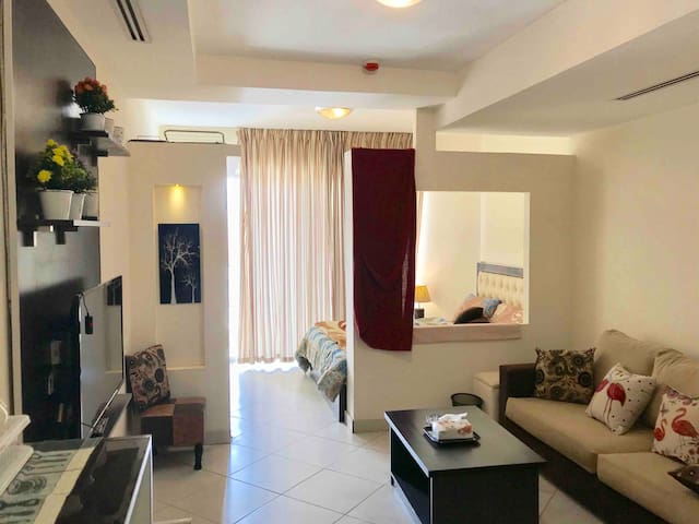 Cozy, Modern Apt in a Great location in Amman! 2