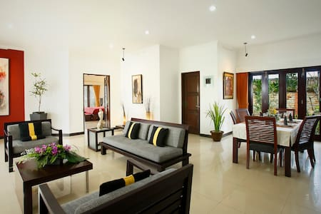 Romantic beachfront two bedroom - Gianyar