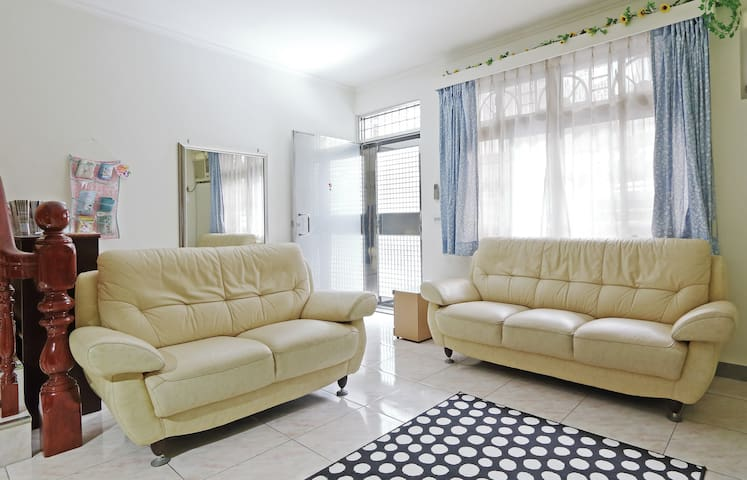 NEW OPEN-No. 4 Guest House-(Family) - Taoyuan District - บ้าน