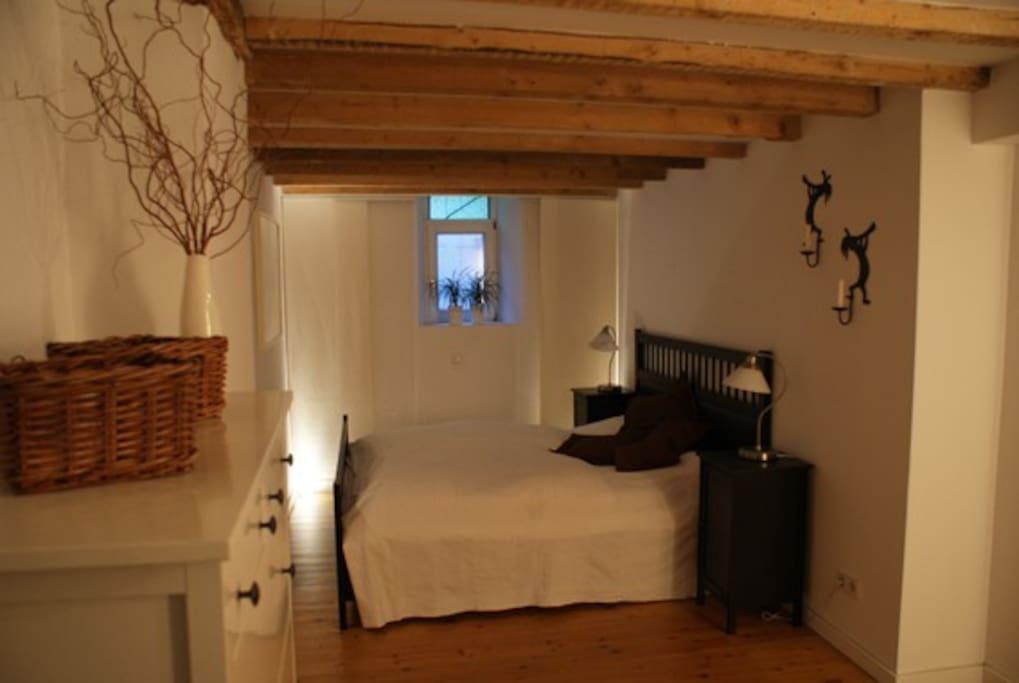 Nacht lager chambre d h te avec chemin e sauna for Chambre d hotes aix