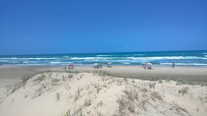 Beira do mar/4dorm/Piscina/Churrasq/ArCond/WiFi