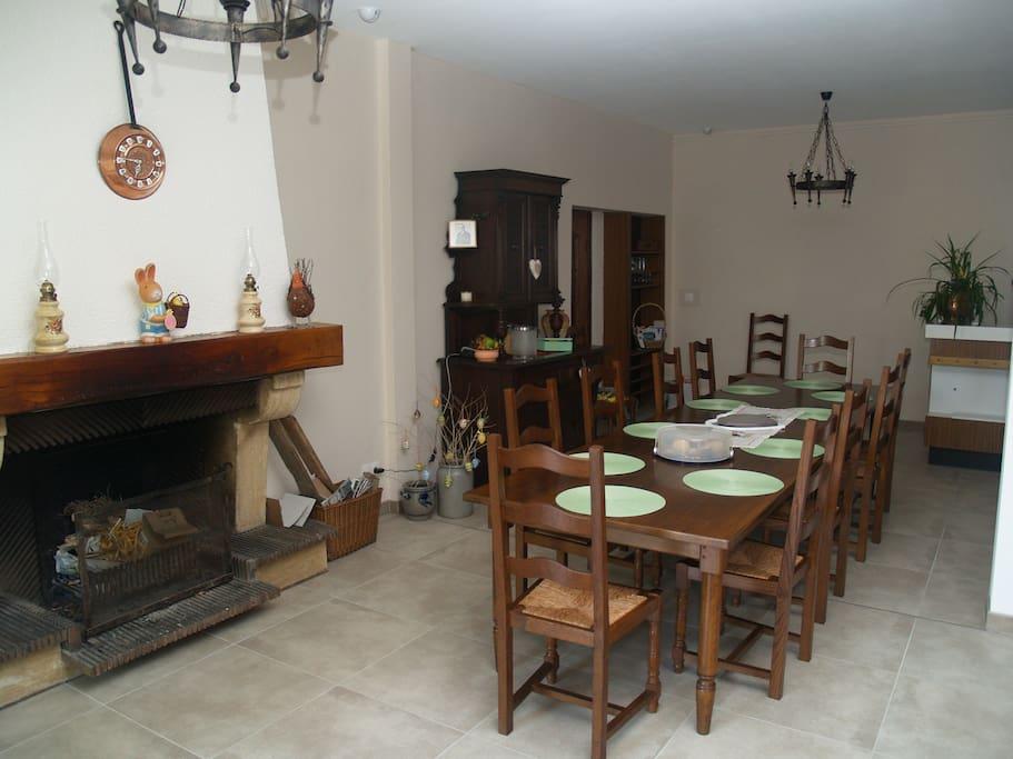 Salle du petit-déjeuner   au coin du feu
