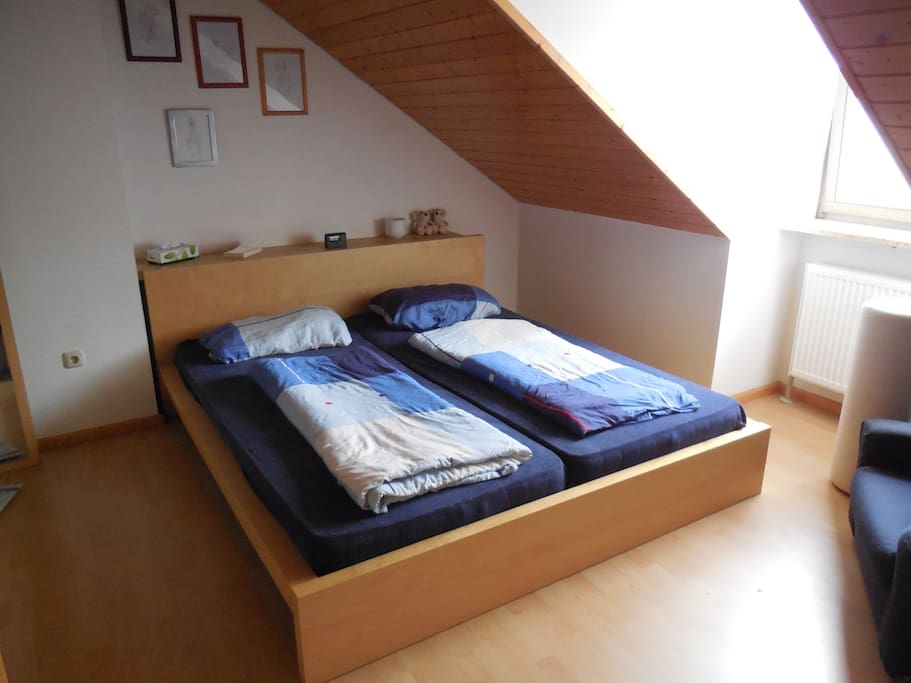 Double bed in the bedroom.