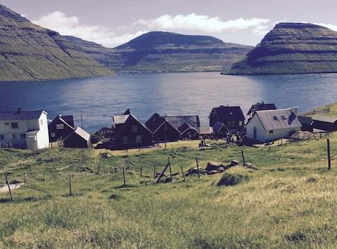 Syðradalur - House with an outstanding view
