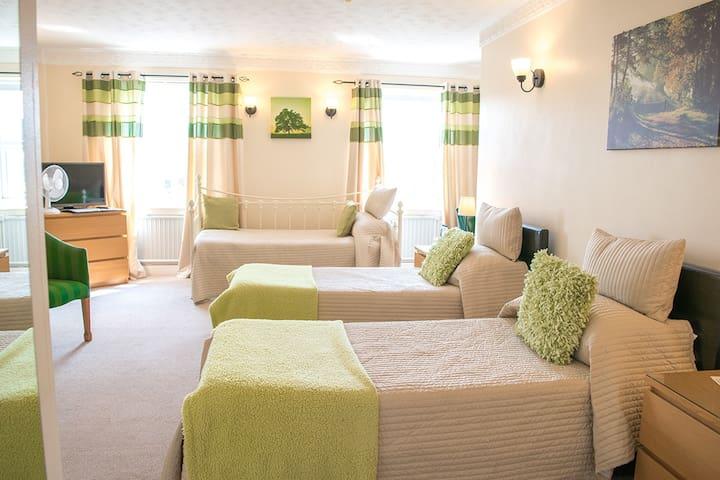 Swan Hotel Wotton | Room 10