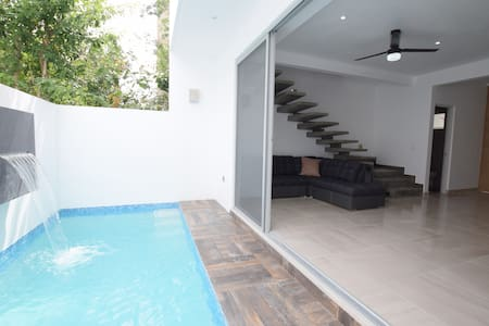 Pool house, vacations in Cancún, near airport