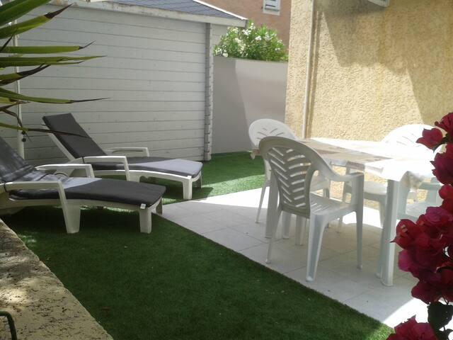 Studio neuf proche de la plage  - Saint-Cyr-sur-Mer - Apartmen