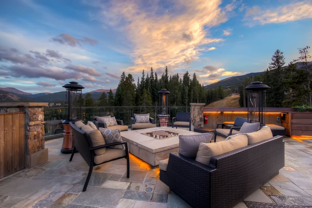 Spectacular Rooftop Patio with Gas Firepit and Views!!!