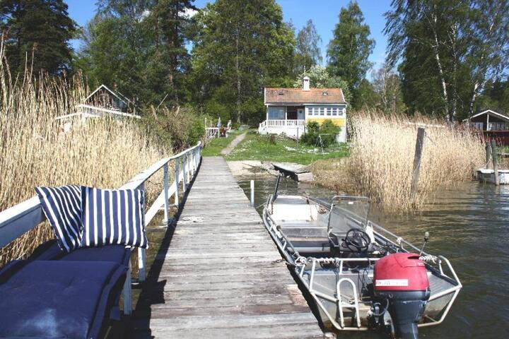 Beautiful seashore facing south - Vaxholm - Casa