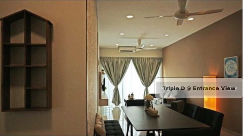 Parkland Residence@Triple D homestay_Entrance View