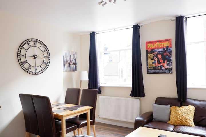Apartment 7 Burnett Court - 2 bed  - Hull Old Town