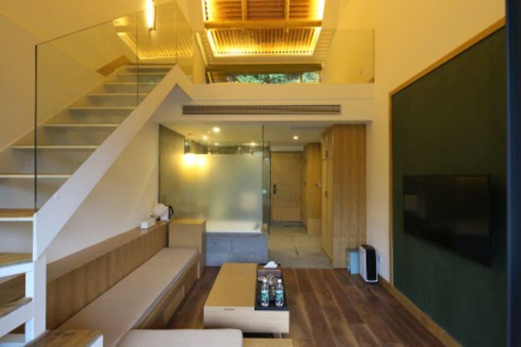 复式一楼客厅