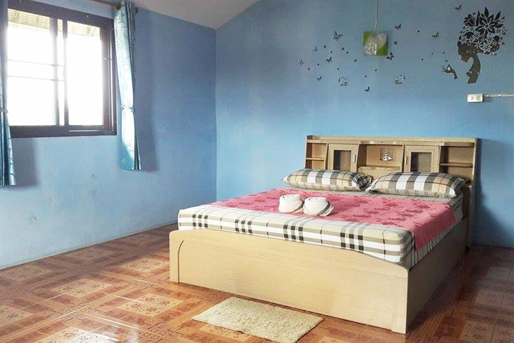 1 double bed Fan room features shared bathroom facilities.   This room cannot accommodate any extra bed.   Please be informed that this room type is located on the 5th floor and is only accessible via stairs.