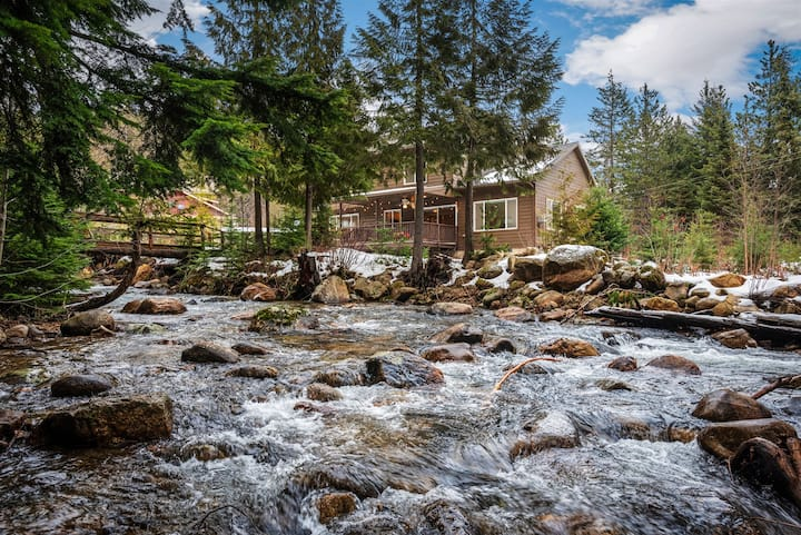 BASE of Schweitzer Location | Serene, Quiet Home on Creek