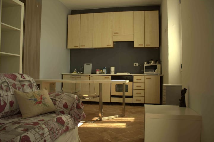 Augusto's Room con accesso privato - Lago Maggiore - Castelletto sopra Ticino - Lägenhet
