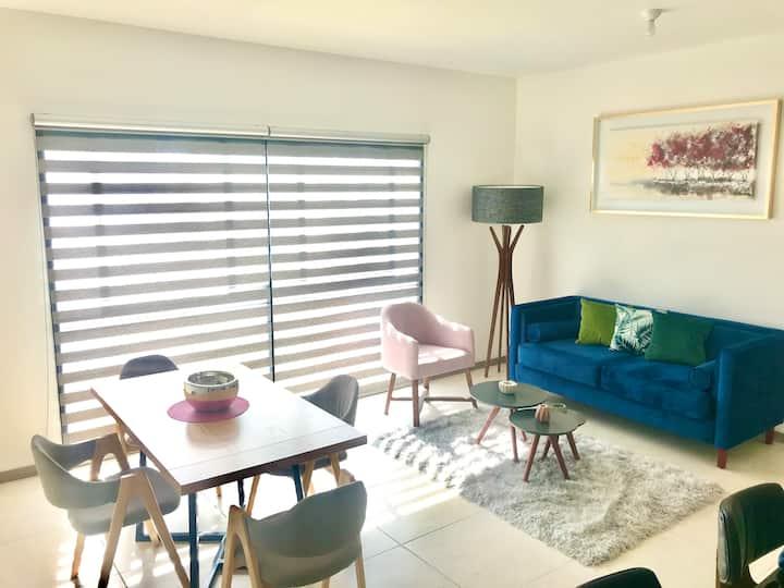 Moderno, Nuevo y Acogedor Apartamento