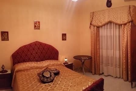 stanza matrimoniale CE  centro - Caserta