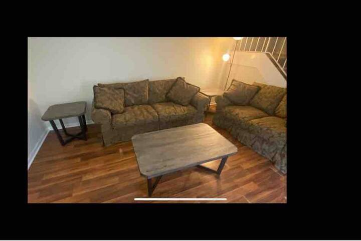 Corporate housing available! Accommodates 4 ppl